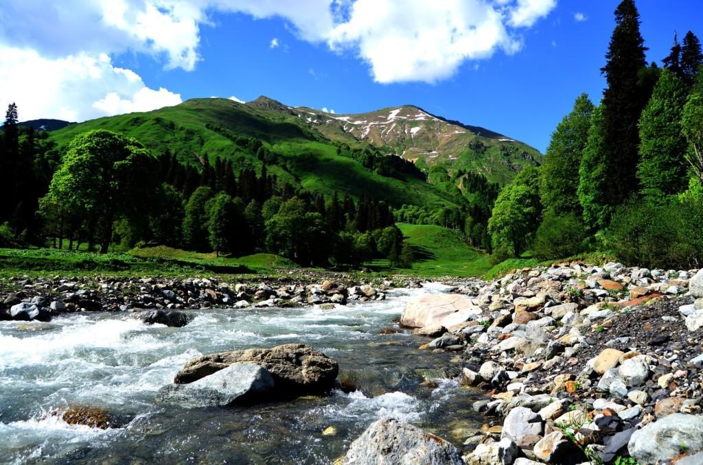 абхазия горы река