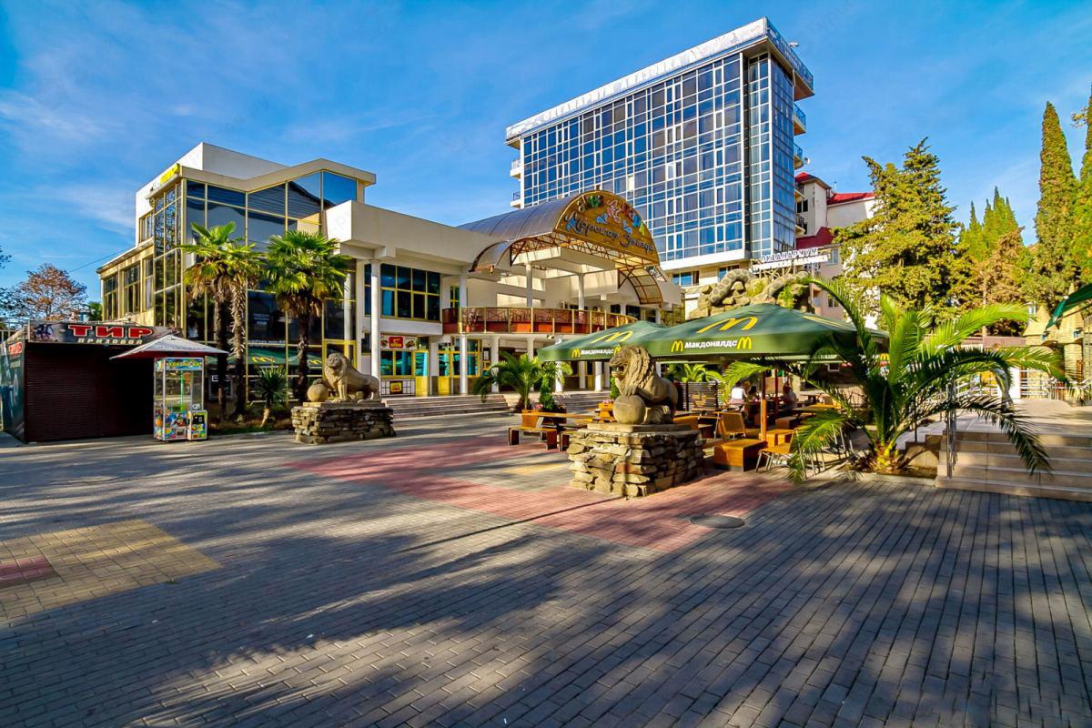 Лазаревское – бюджетный курорт для спокойного отдыха